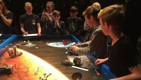 Næstved-elever dyster i naturfag i LEGO Space Challenge