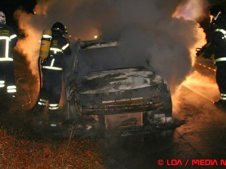 Mercedes udbrændt ved Rønnede - vidner søges