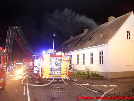 To voksne og et barn på sygehuset efter brand i Vordingborg