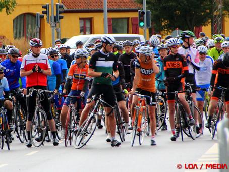 Godt 800 cyklister deltog i det fjerde Medieløb.