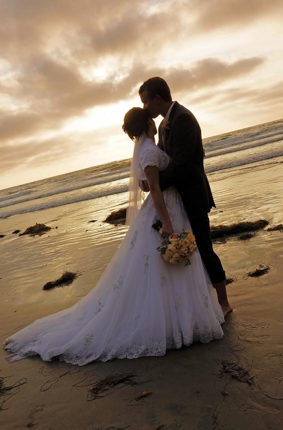 Sunset Beach Wedding Photography In San Diego C