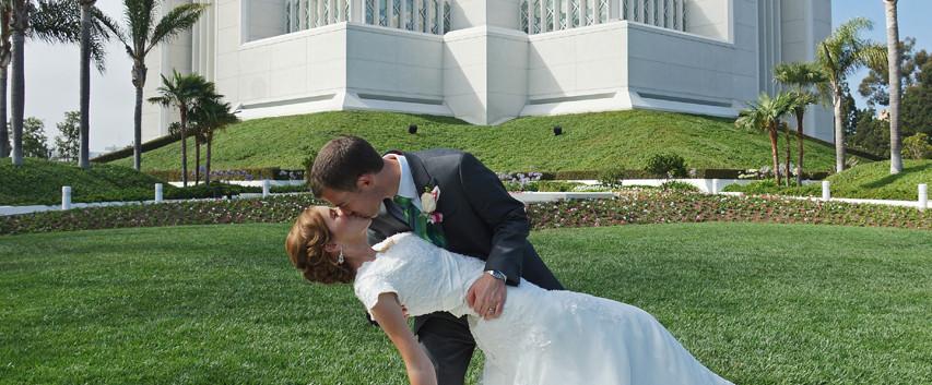San Diego Temple Wedding, Romantic Kiss