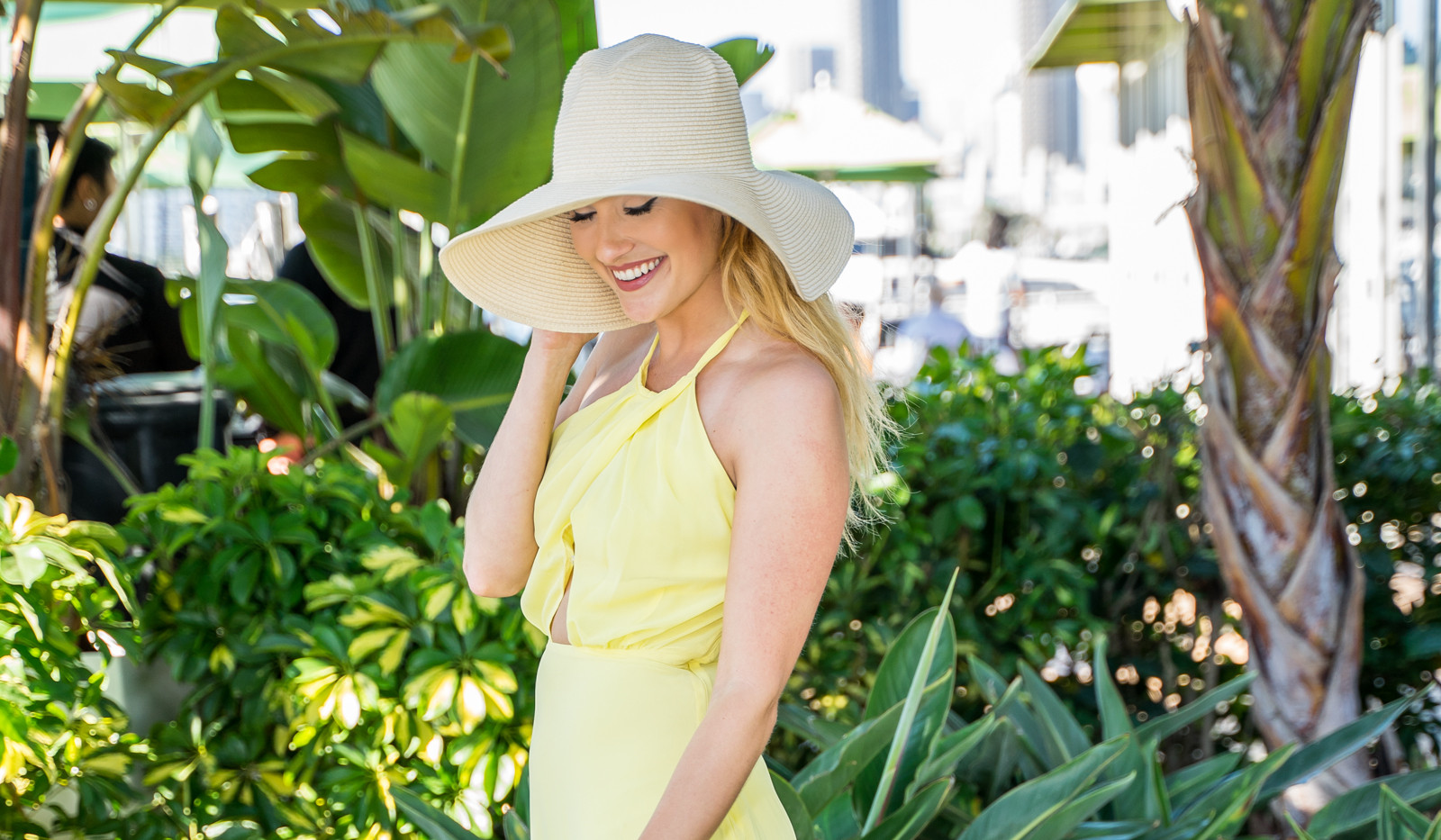 Fashion Shoot Bpearl Blond Model