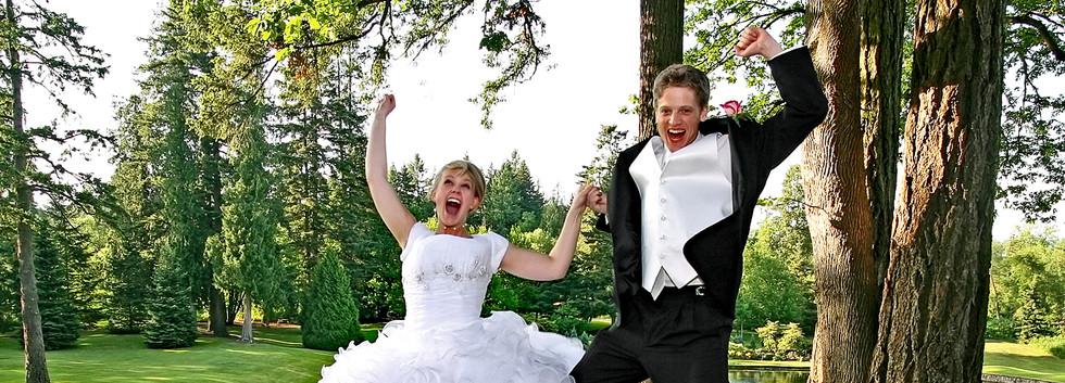 Bride-and_Groom_Jump1280.jpg