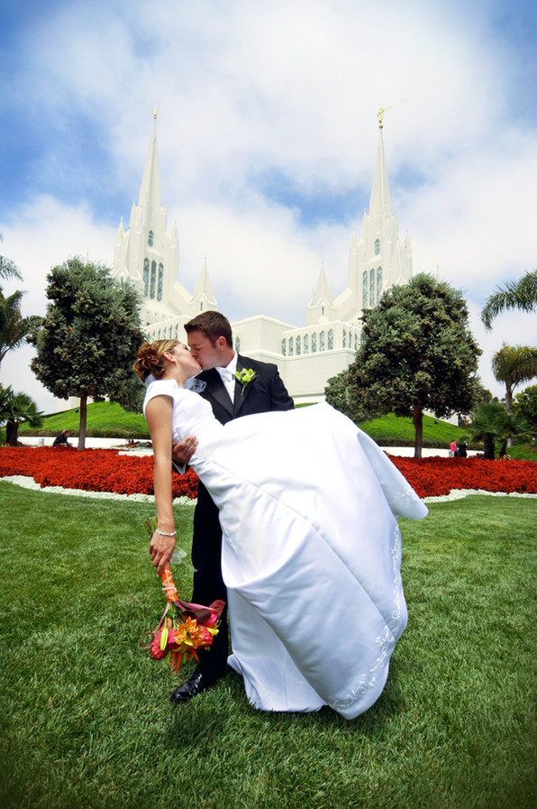 The Kiss, San Diego Temple Wedding Photographer