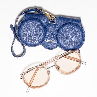 B.Pearl Fashion Sunglasses Case Photogra