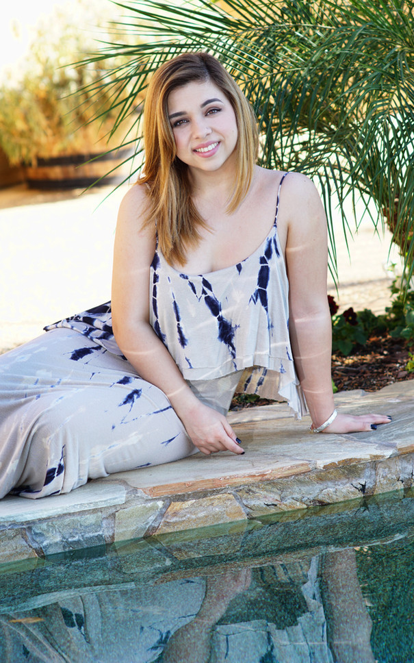 Outdoor Senior Picture Poolside, Escondido CA