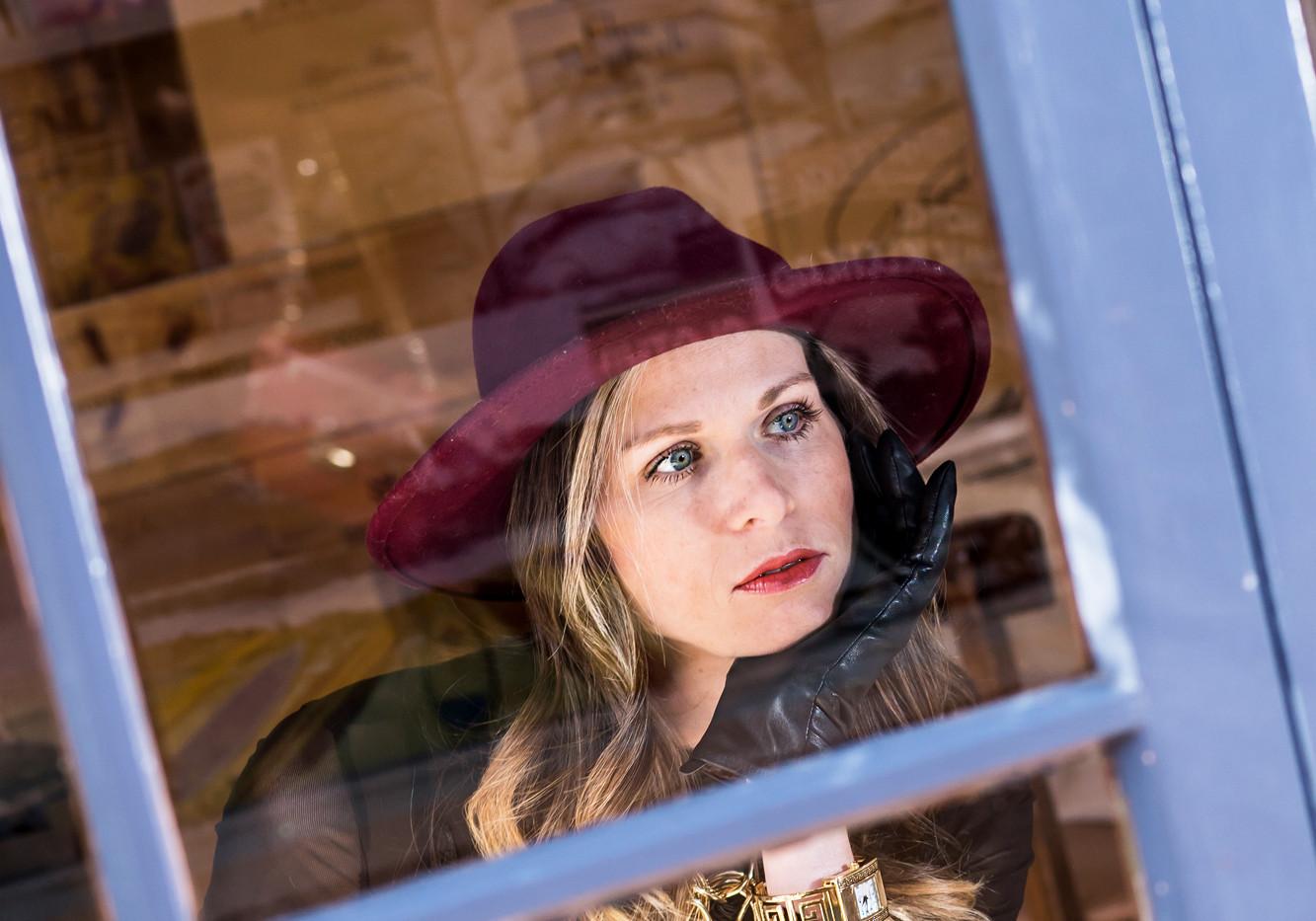 Purse Model Photography, at Restaurant, La Jolla CA