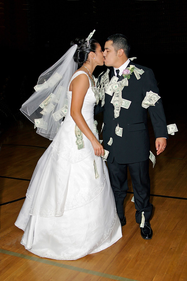 Wedding Money Dance, Bride and Groom Pic