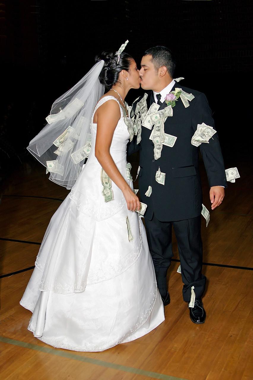 Money Dance Wedding.Wedding Money Dance Bride And Groom Pic
