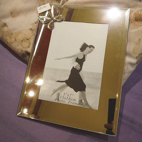 Photoframe 5*7 mirrored with butterfly detail