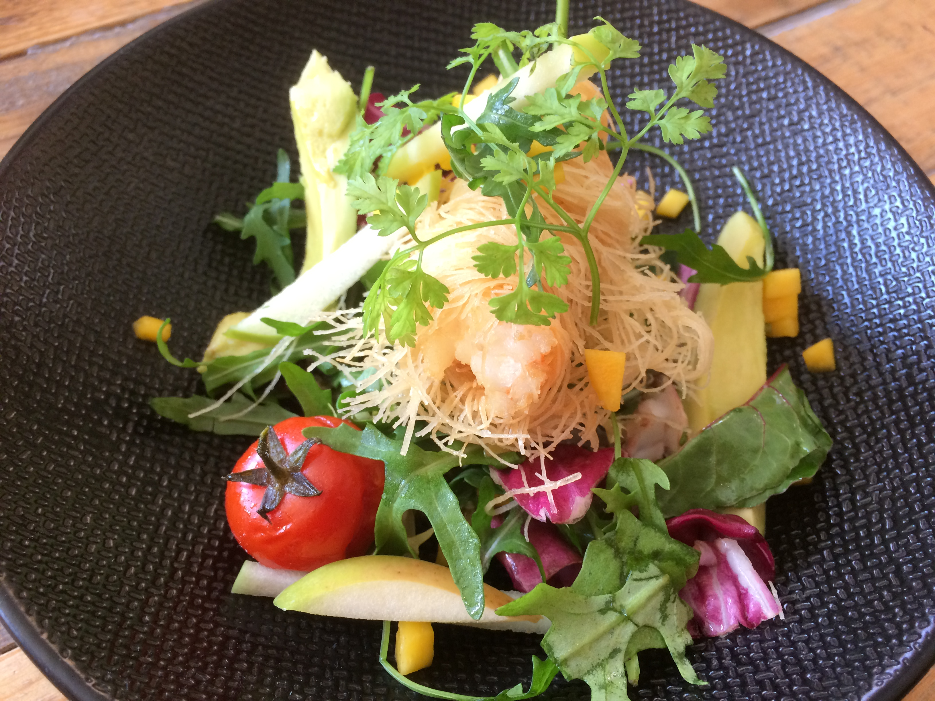 Crevette en kadaïf,salade de quinoa