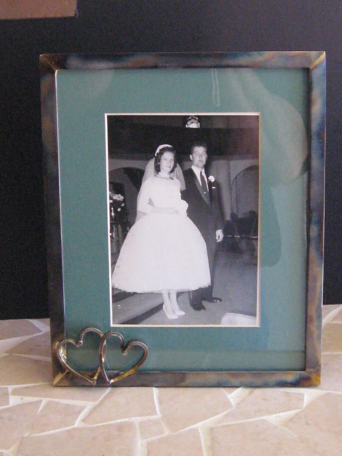 Double Heart 8x10 metal frame