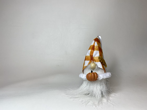 Cheery Gnome - orange/ white hat with pumpkin