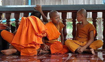 Travel Cambodia Monks