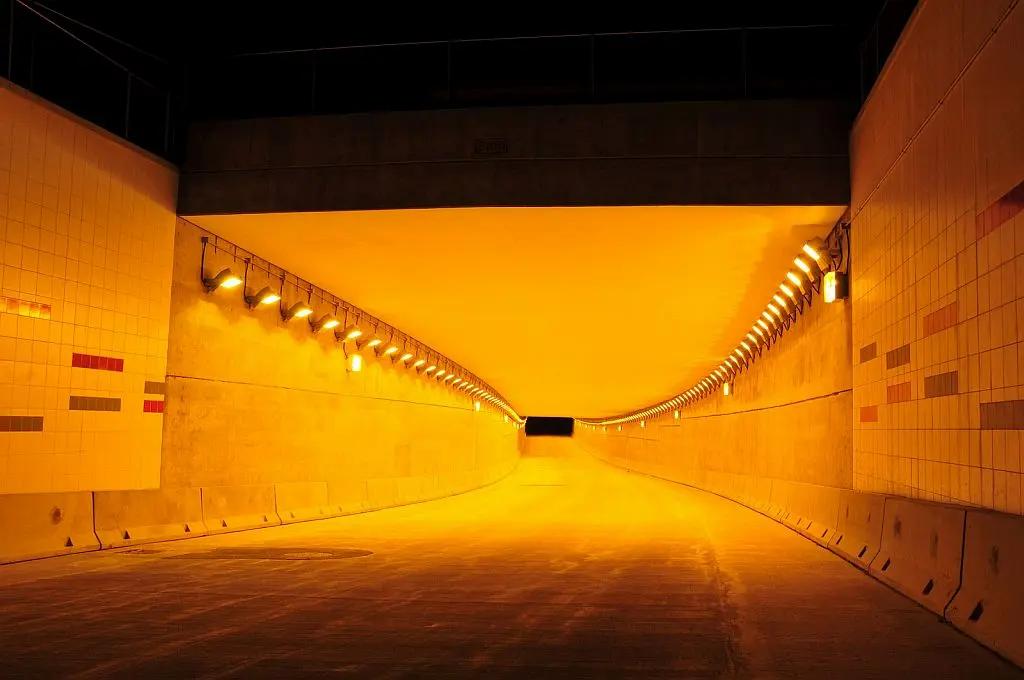 Transit Tunnel Holophane Predator