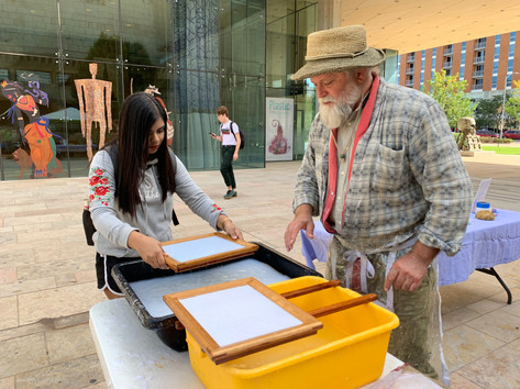 Papermaking in Library Mall with Guest Instructor Robert Possehl