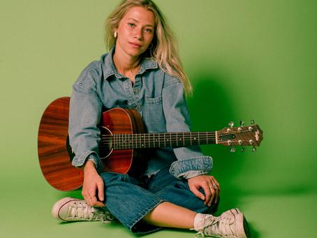5 Songs I Love w/ Julianna Laine