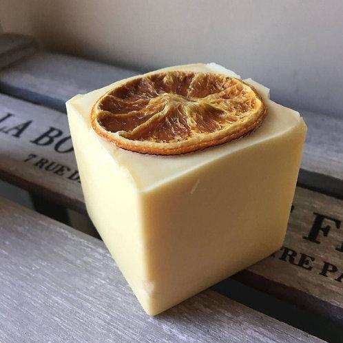 Bain & Savon Zesty Orange Shampoo Bar