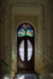 Tenement,_door,_Art_Nouveau_stained_glas
