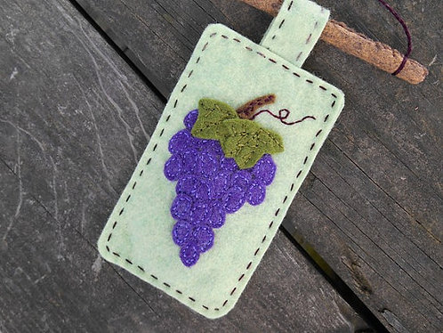Kitchen Decor, Hanging Grapes, Embroidery Art