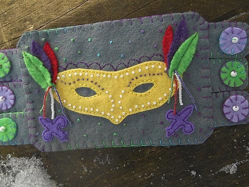 Mardi Gras Mask Mug Rug