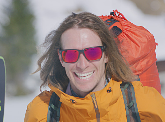 smile with skis.jpg