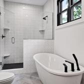 Inviting soaking tub.JPG
