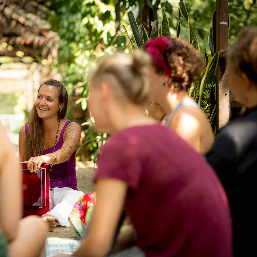 Cacao Ceremony und Singkreis mit Mela Mariposa