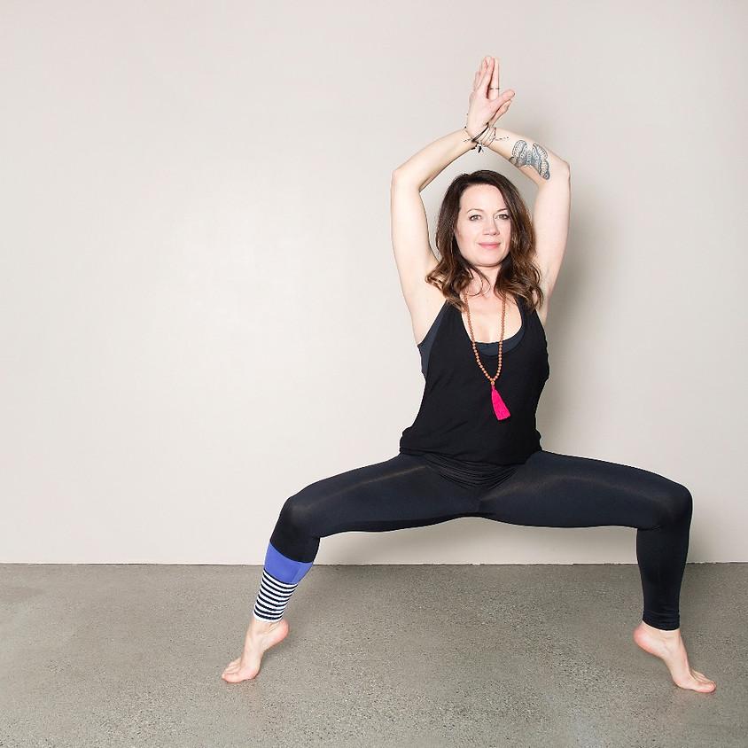 Yoga mit Gila am vegifest Chur 2019