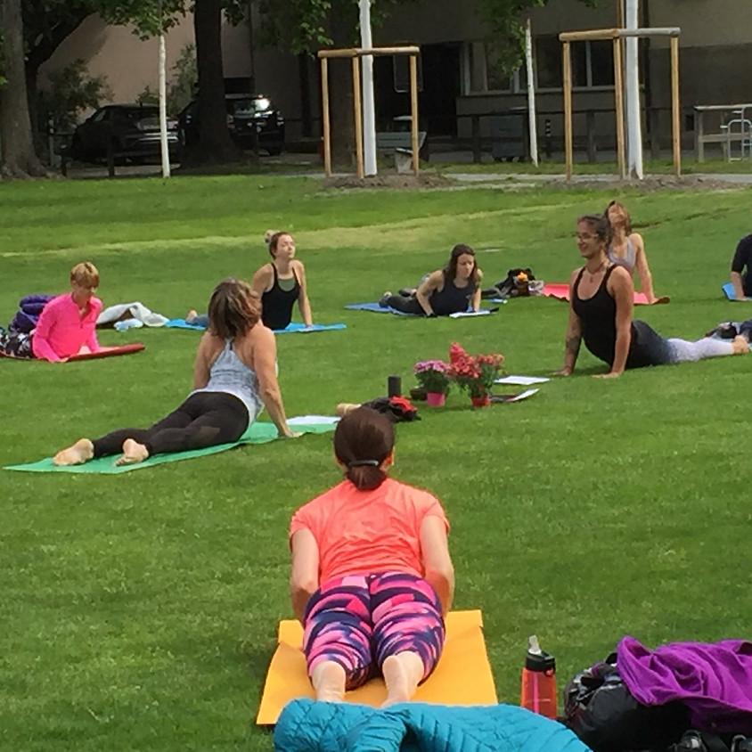 Outdoor Pop Up Yoga auf der Turnerwiese