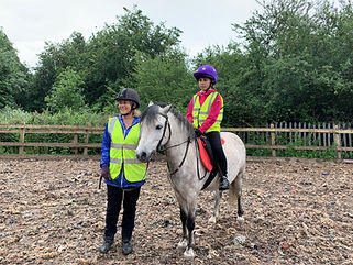 Beginners riding lesson Surrey