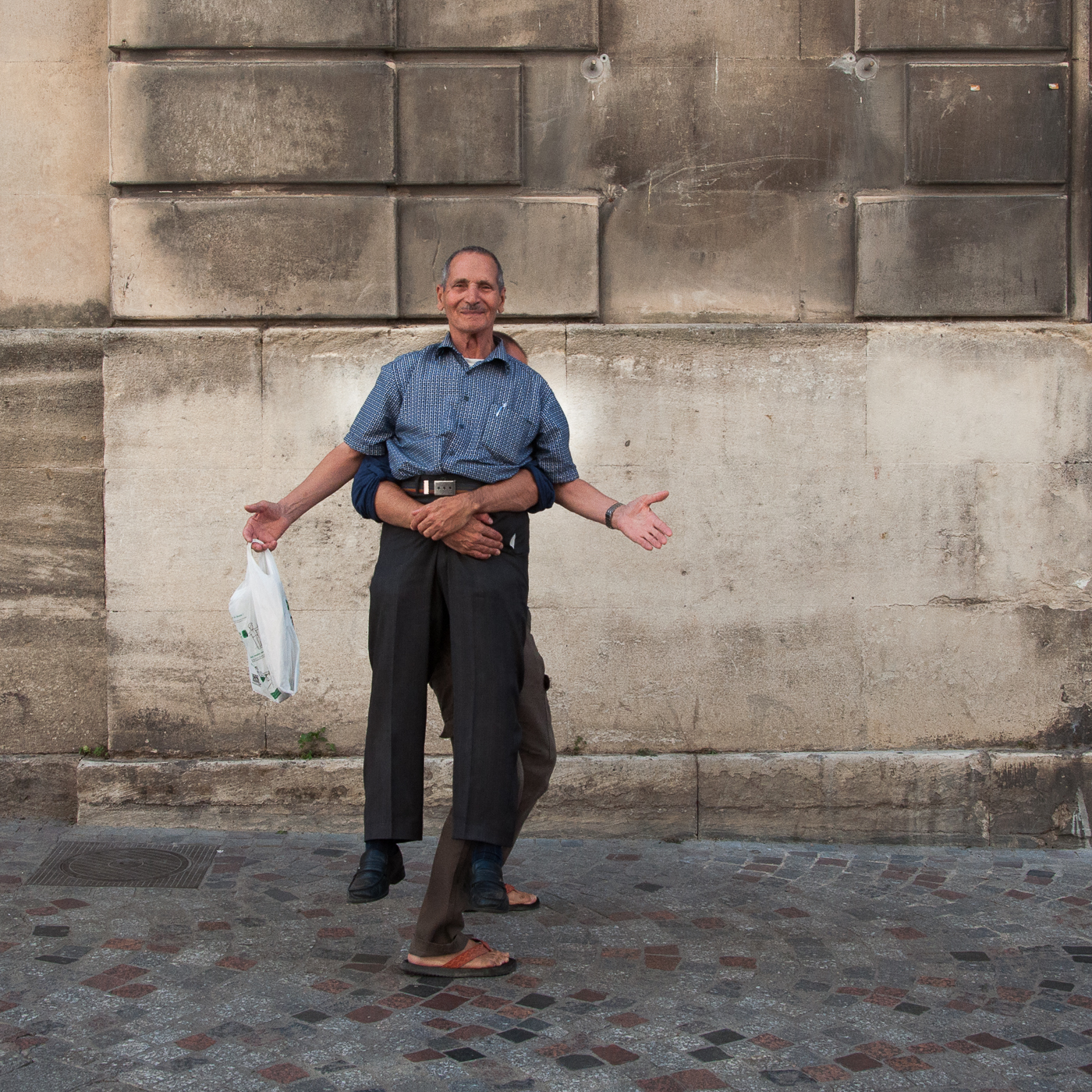 Arles 2015 - Simplement avec 4 bras