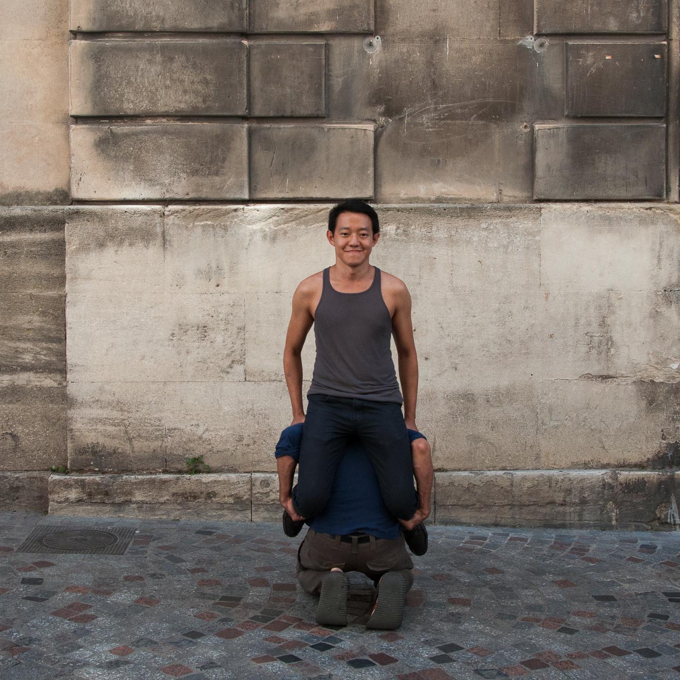 Arles_2015_-_Double_génuflexion