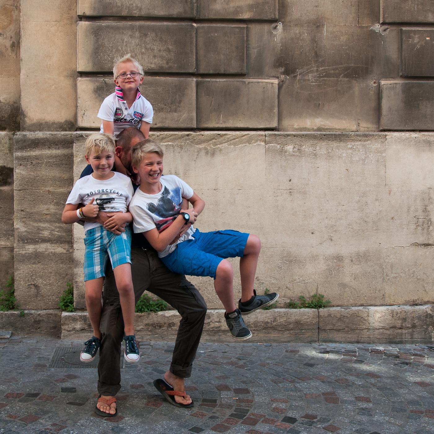 Arles_2015_-_Les_3_frères