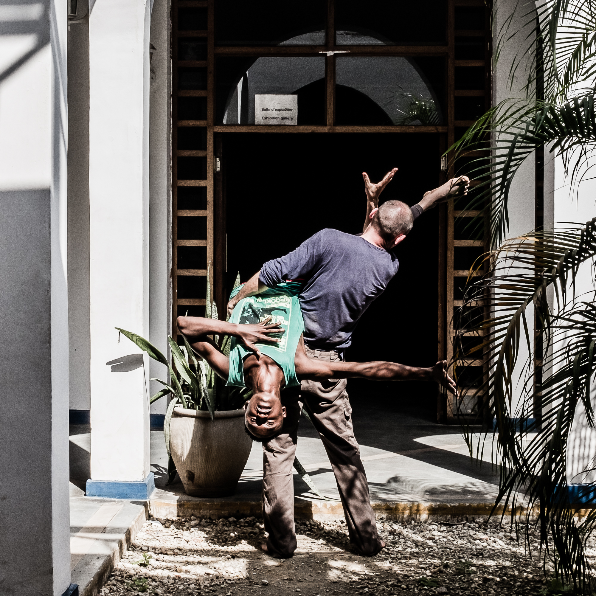 Dar Es Salaam - Kumi na sita