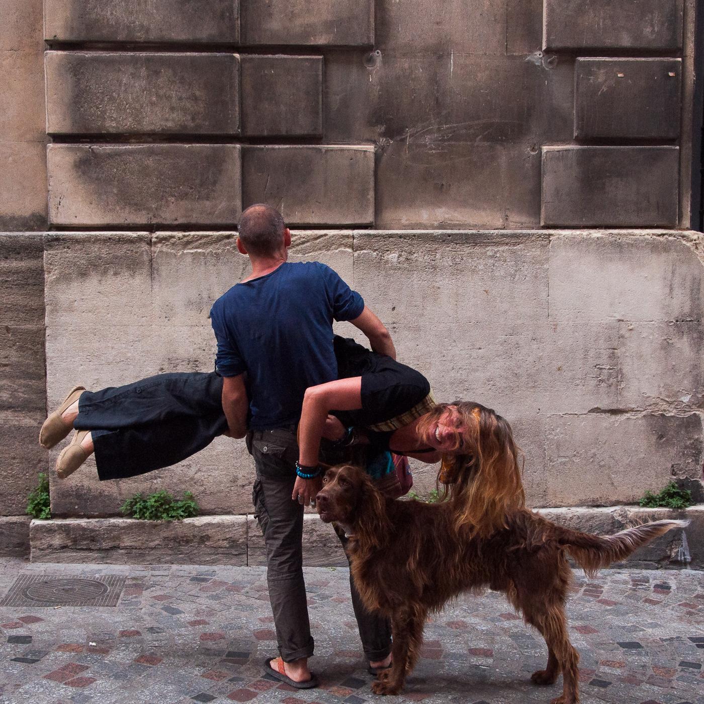Arles 2015 - Cheveux et chien
