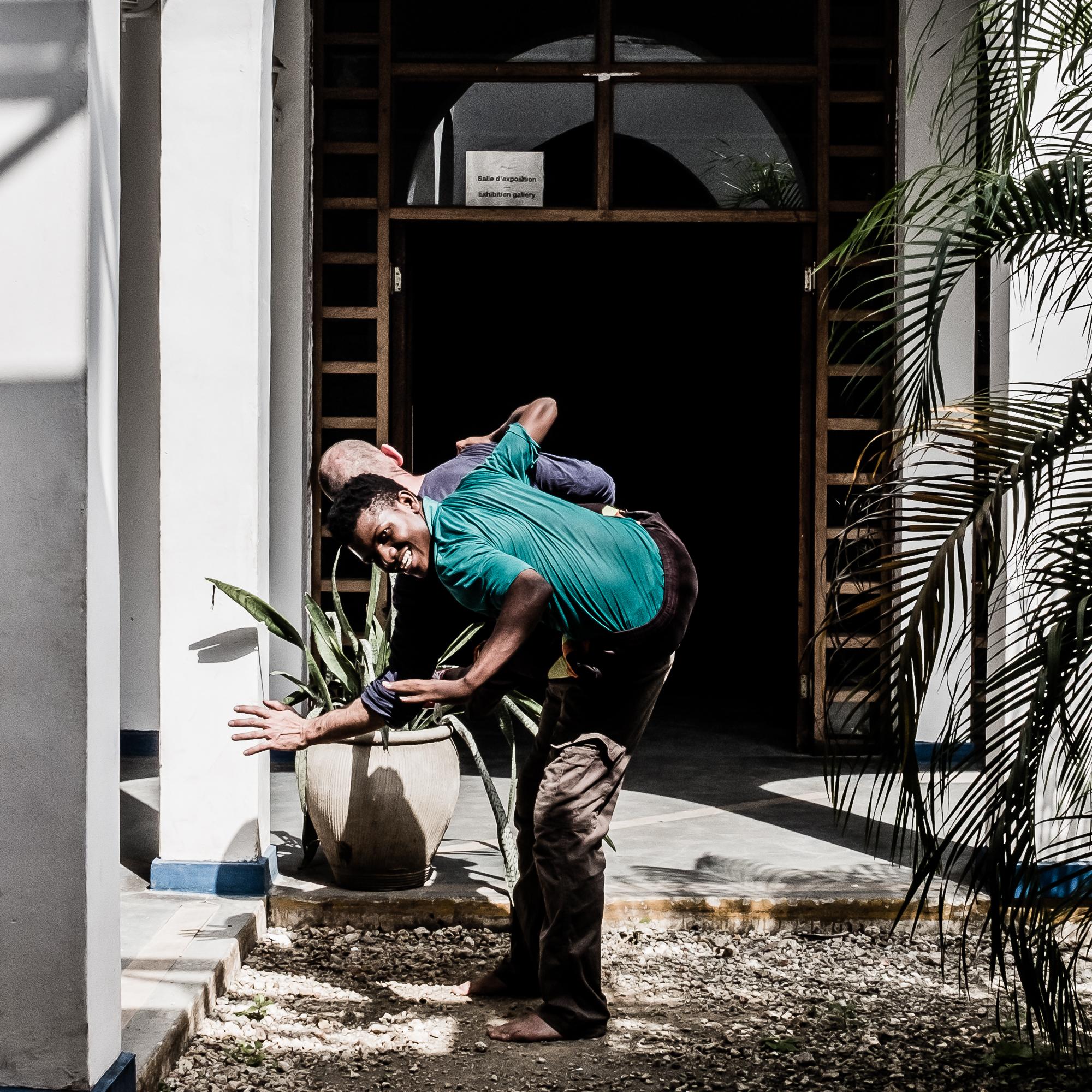 Dar Es Salaam - Kumi na nne