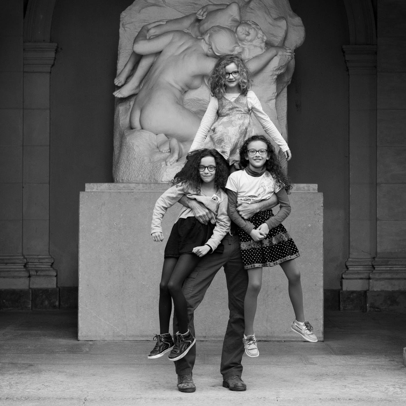 Musée_Lyon_2016_-_Autoportraits_en_boucles_et_lunettes