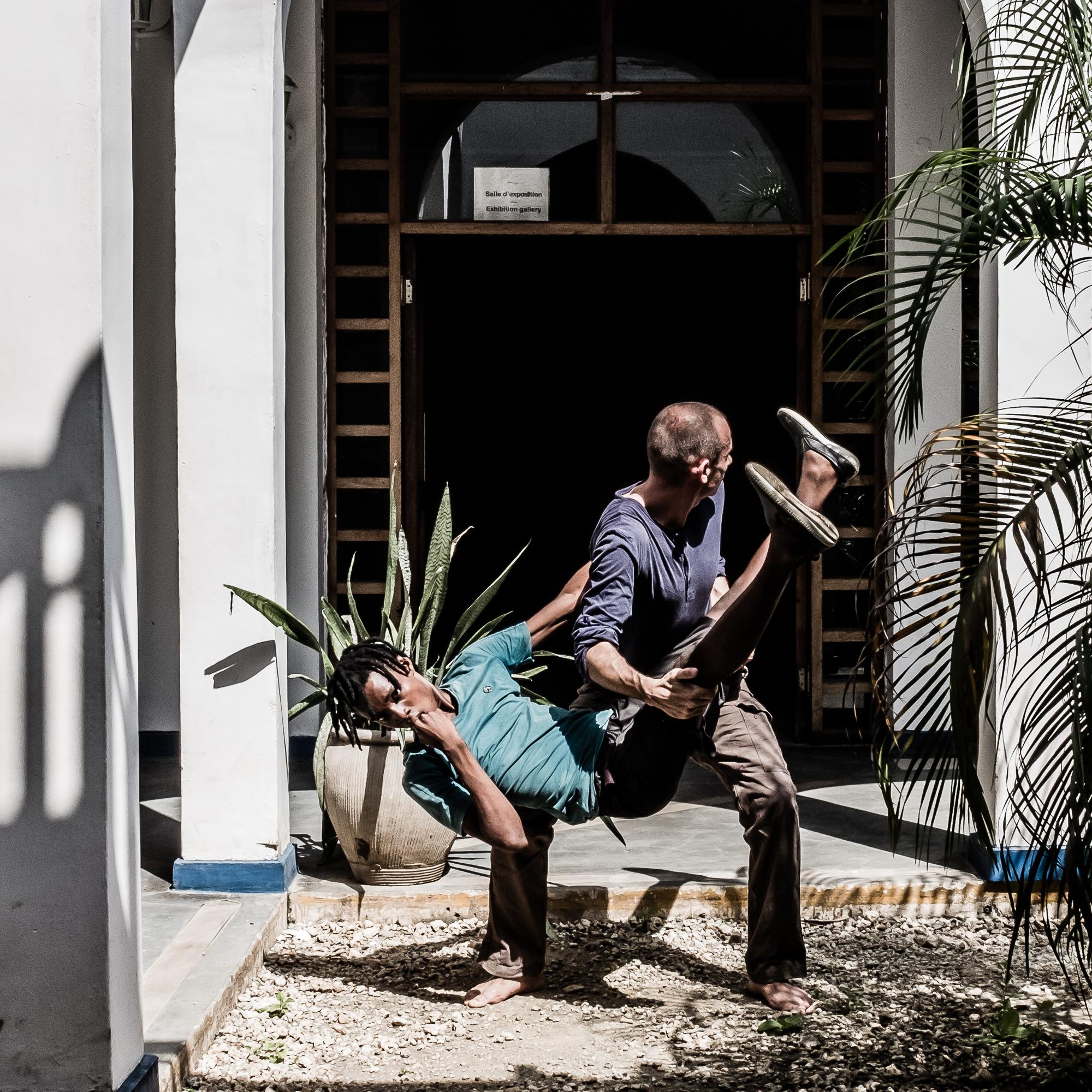 Dar Es Salaam - Tano