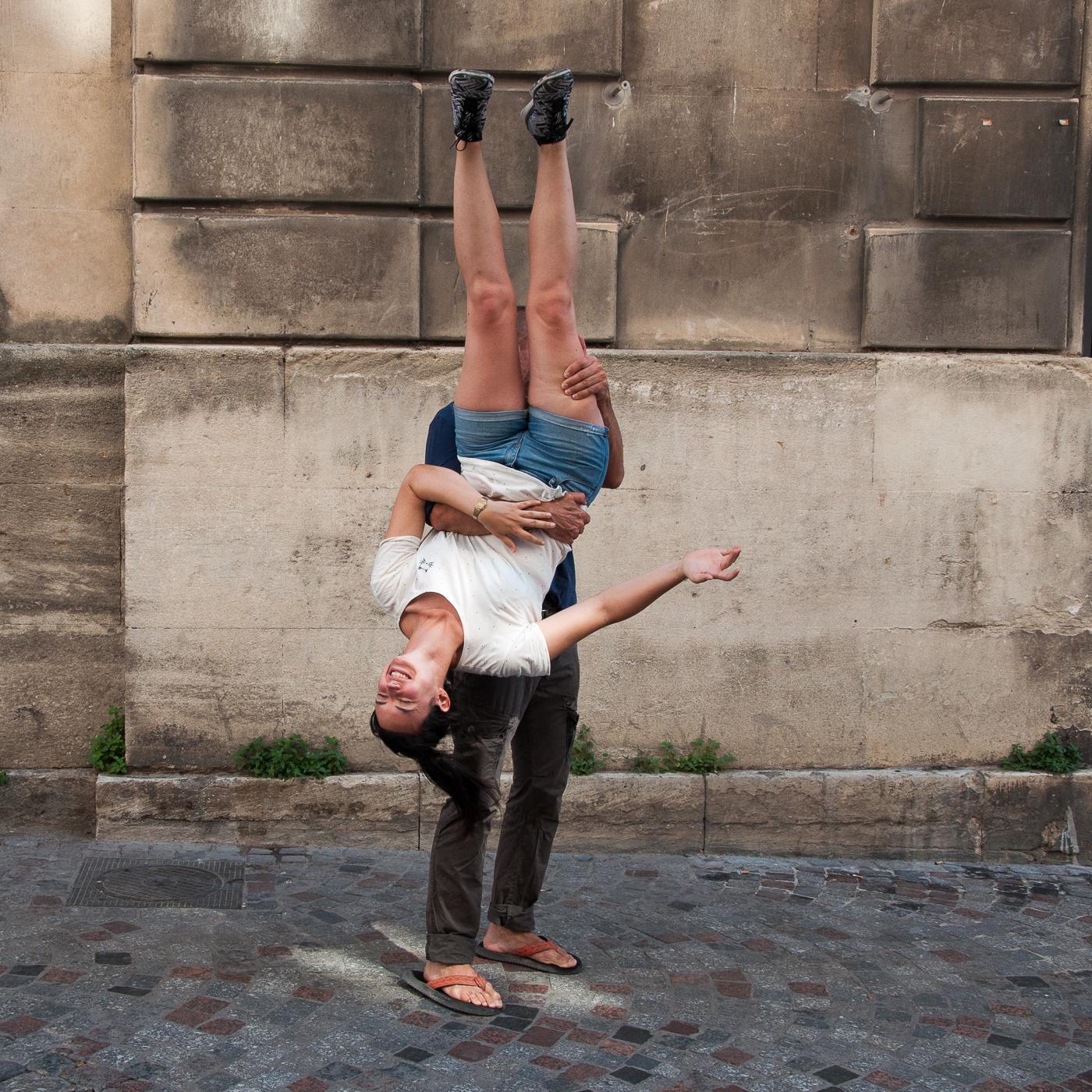Arles_2015_-_La_tête_en_bas