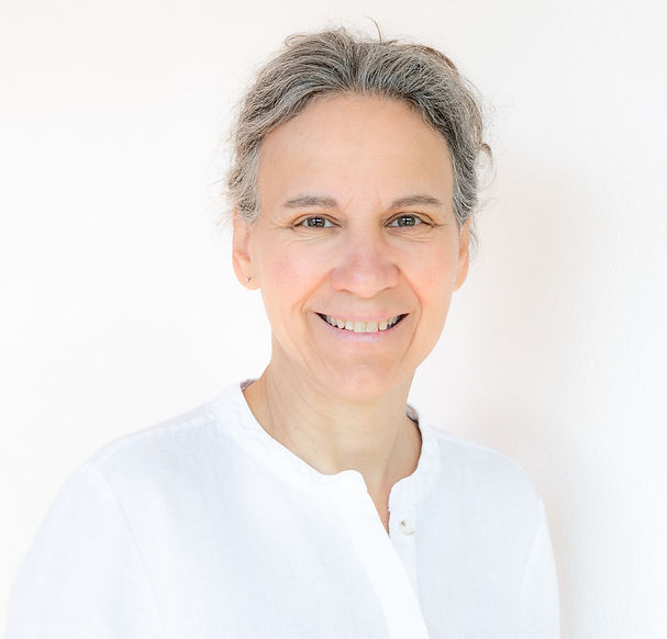 Anne Bouchard méditation et cheminement personnel droite_edited_edited.jpg