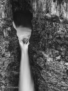 Spahats Creek Falls B&W