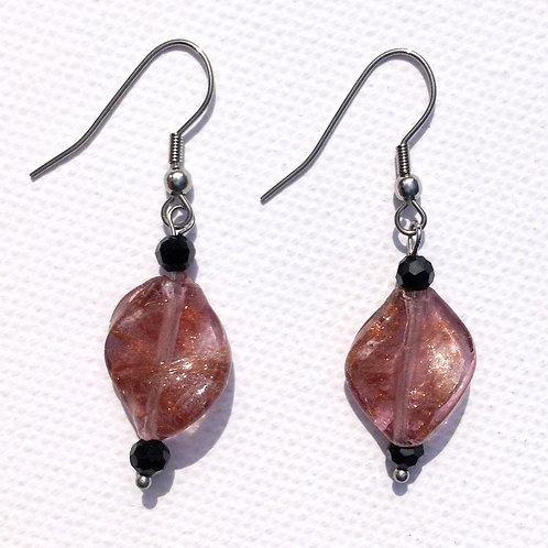 Boucles d'oreilles twistée violette et cristal