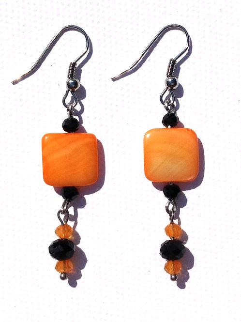 Boucles d'oreilles longue carré nacre orange et cristal