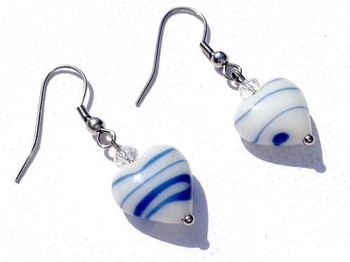 Boucles d'oreilles coeur blanc, bleu et cristal