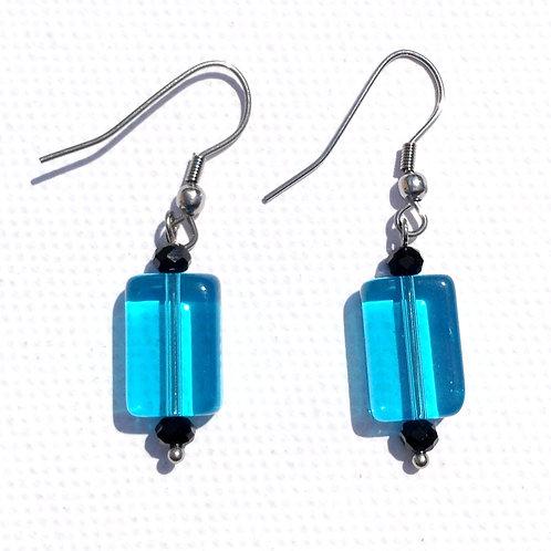 Boucles d'oreilles verre artisanal rectangulaire bleu et cristal