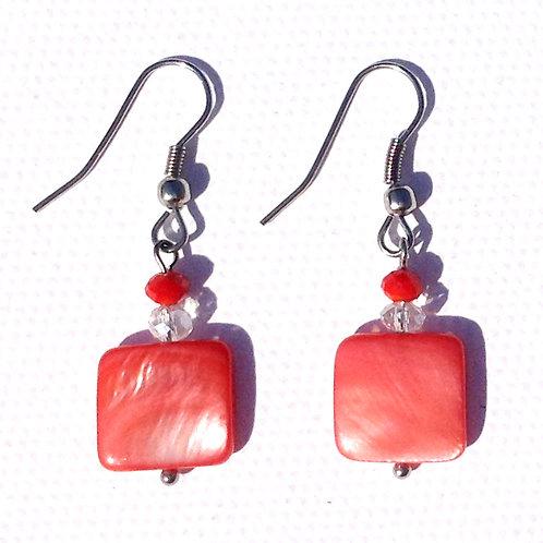 Boucles d'oreilles carré nacre rouge et cristal