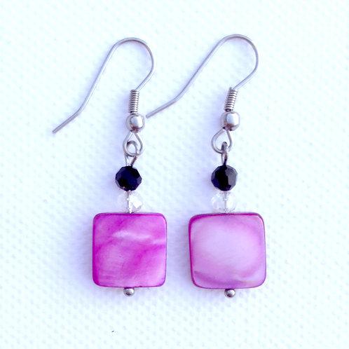 Boucles d'oreilles carré nacre fuchsia et cristal