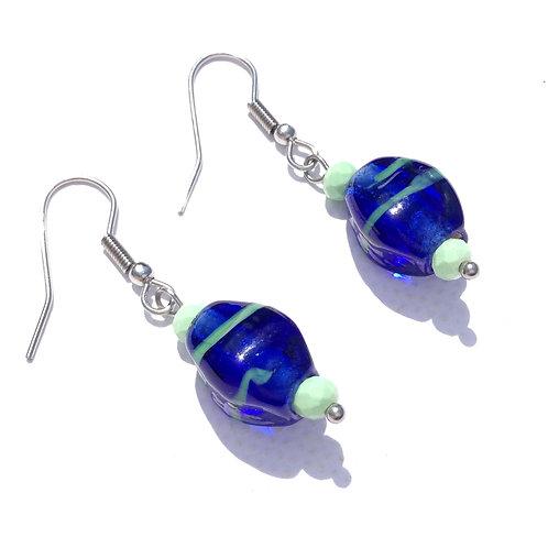 Boucles d'oreilles ogive bleu roi et cristal